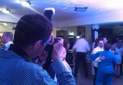 esküvői fotós vagy esküvői videós